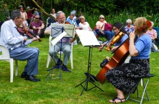 Musicians at Willow Cottage